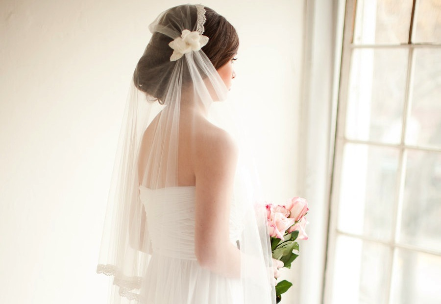 Tulle and lace bridal cap with veil