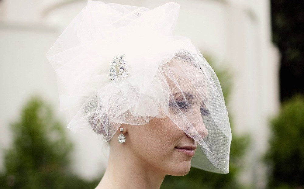 Pouf tulle wedding veil with vintage brooch