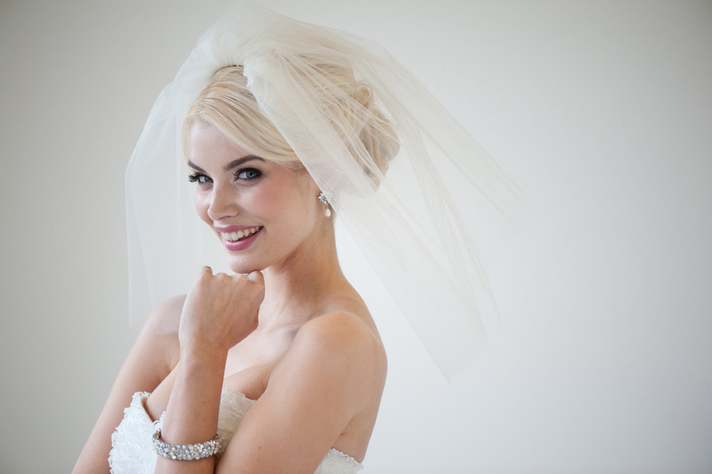 Cream-classic-wedding-veil-double-layer.full