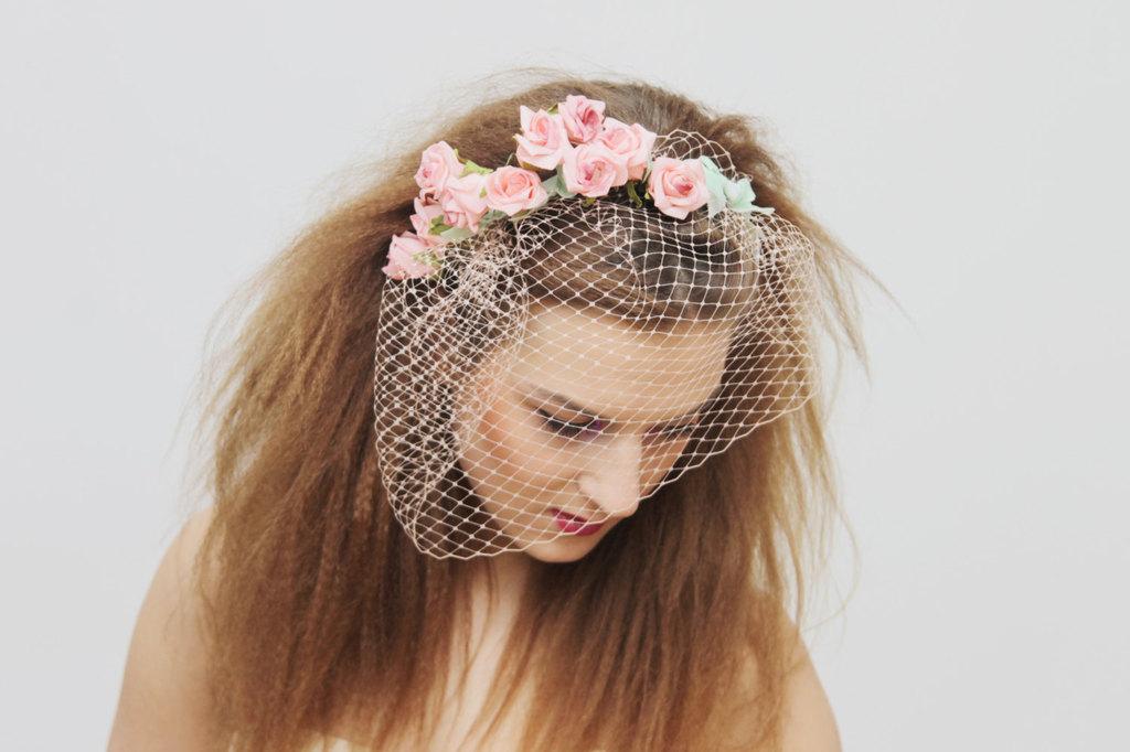 Pink-floral-adorned-wedding-blusher-veil.full