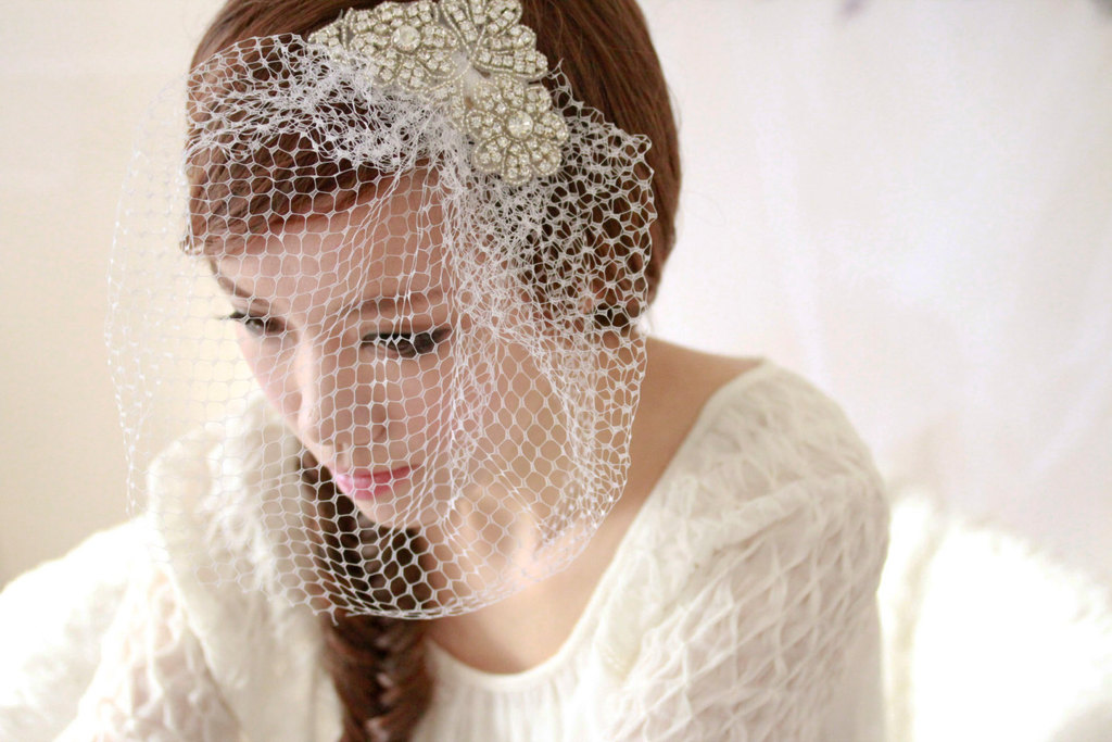 Vintage inspired birdcage veil with brooch