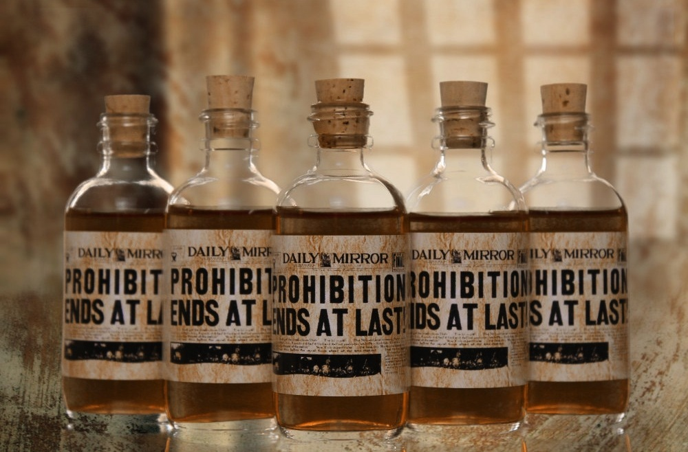 Mini whiskey wedding favors