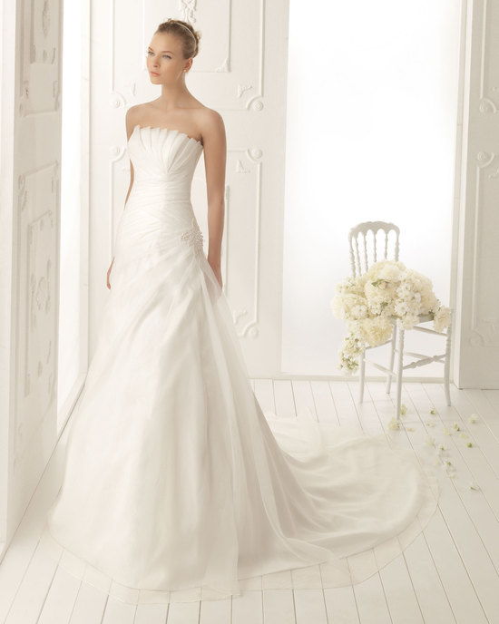Aire Barcelona Wedding Dress 2013 Vintage Bridal Collection Veneto