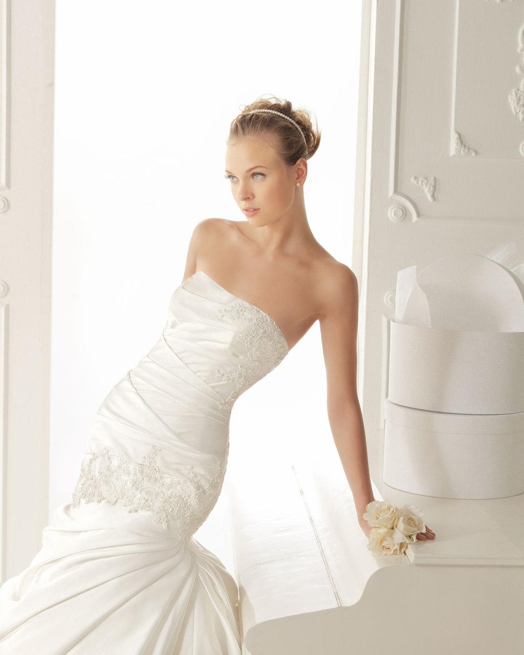 Aire-barcelona-wedding-dress-2013-vintage-bridal-collection-vali-2.full