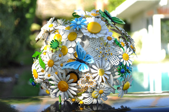 Vintage brooch wedding bouquet daisies