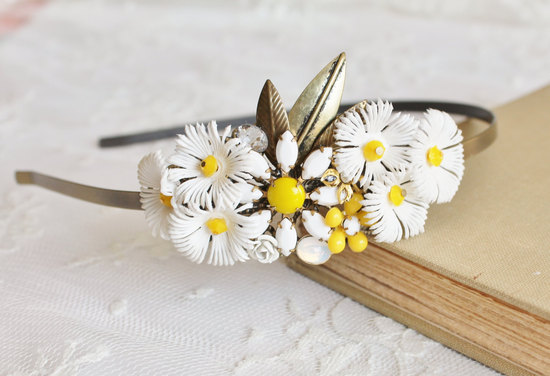 Vintage daisy wedding headband
