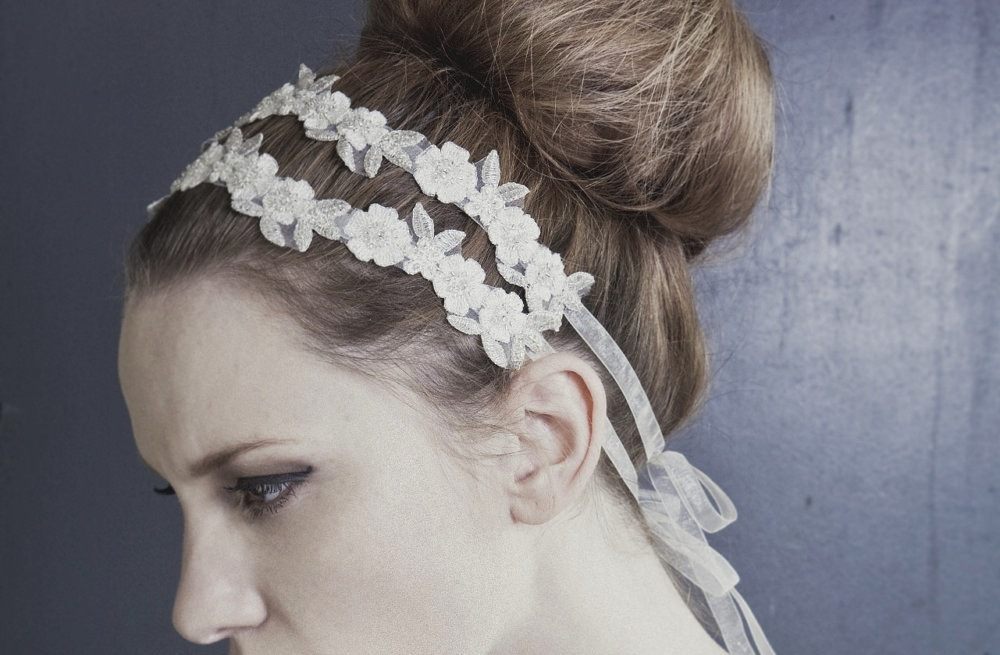 Delicate-daisy-floral-headband.full
