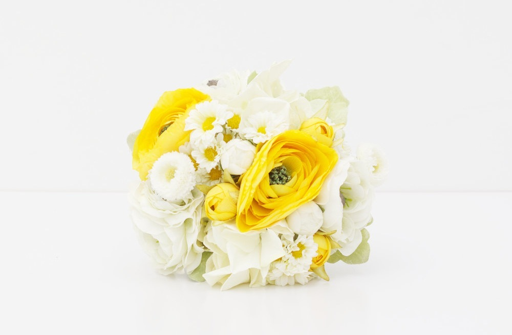 Fabric-wedding-bouquet-yellow-white.full
