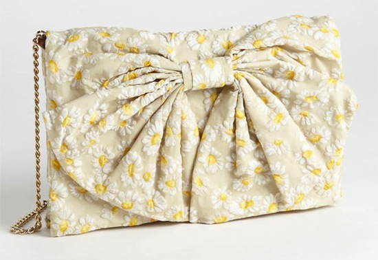 Romantic wedding accessories daisy clutch