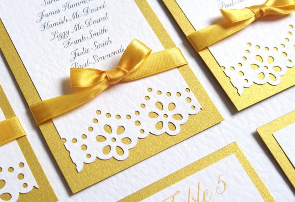 White And Yellow Daisy Wedding Invitations