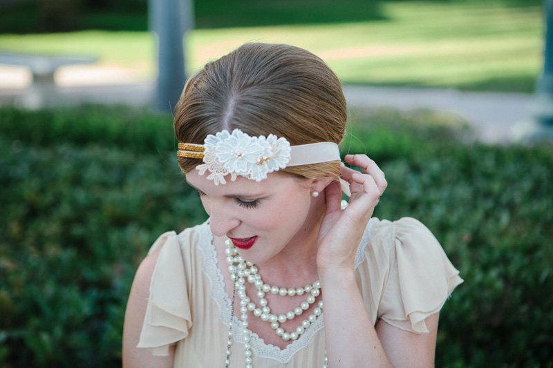 Retro-inspired-daisy-wedding-headband.full
