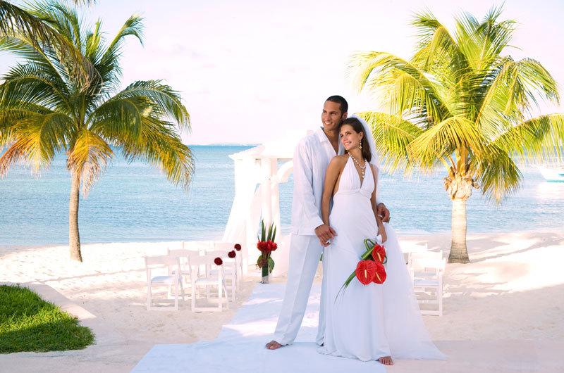Ima27_romantic_beach_cancun_wedding.full