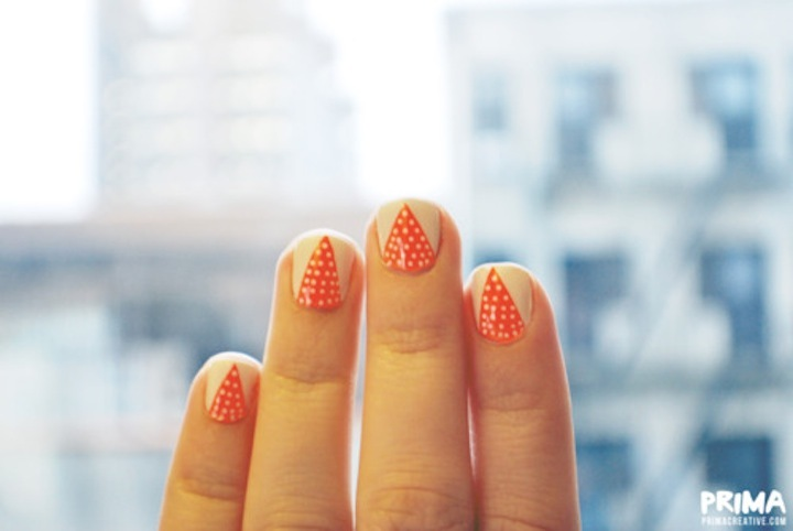 Unique-wedding-nails-coral-beige-with-dots.full