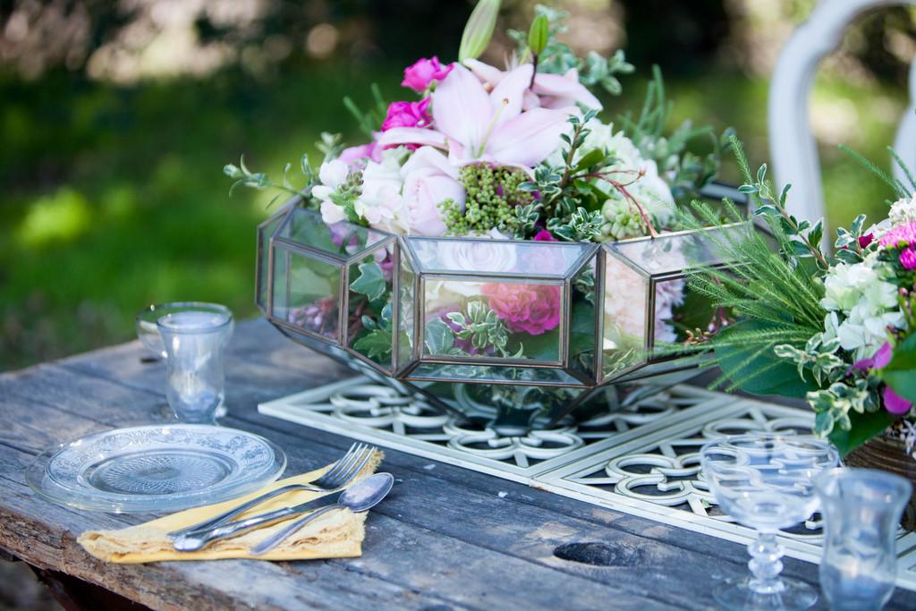 Romantic-wedding-centerpieces-detail-2.full