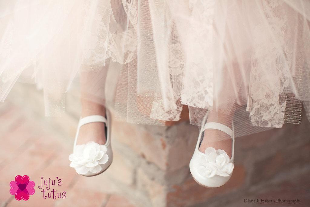Easter-wedding-flower-girl-attire.full