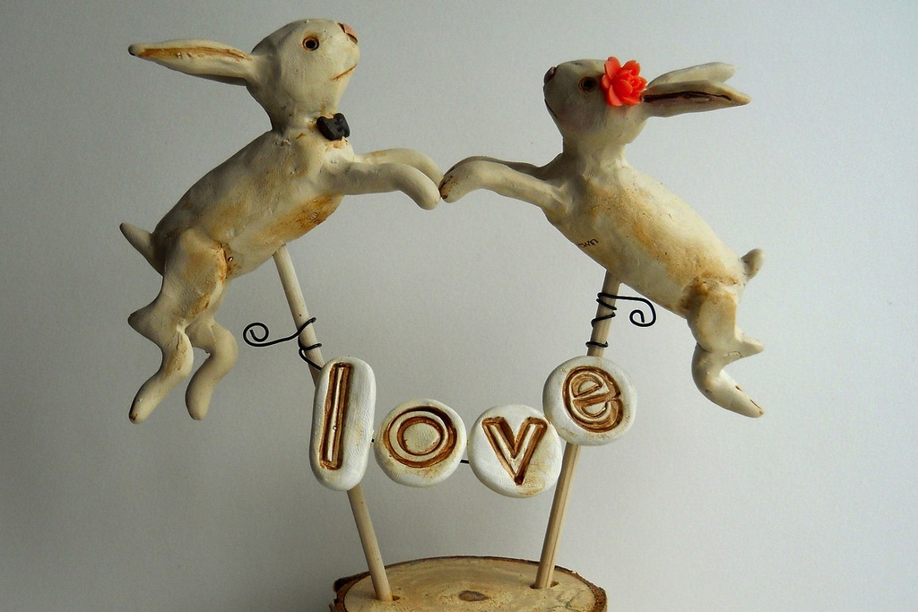Rustic-bunny-wedding-cake-topper.full