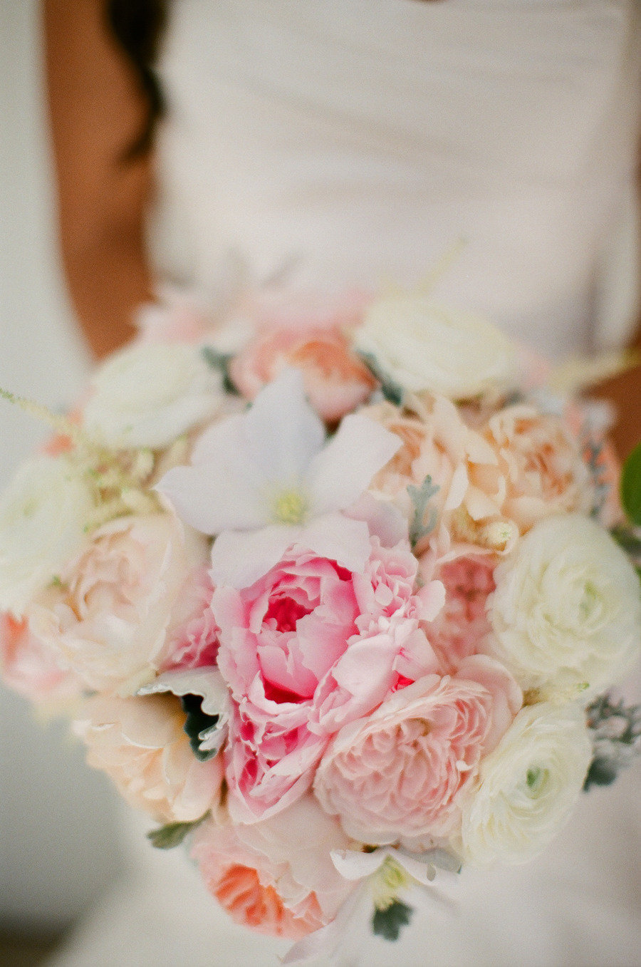 Romantic-bridal-bouquet-pastel-peach-pink-ivory.full
