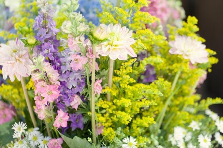 Beautiful-spring-wedding-flowers.full