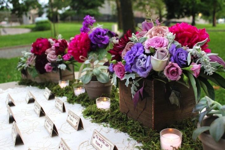 Rustic-romantic-wedding-flower-centerpieces.full