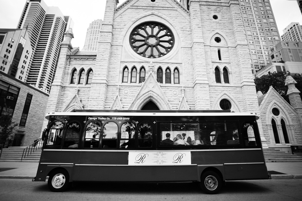 Chicago-trolley-leaves-church-ceremony-venue.full