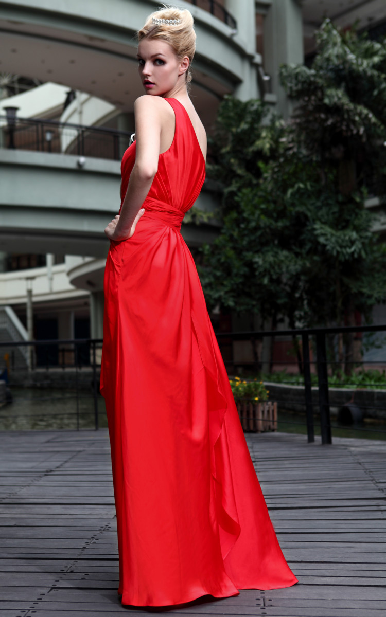 Classic-red-bridesmaid-dress-long.full