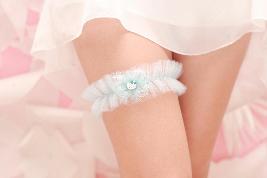 Something-blue-wedding-garter-hello-kitty.full