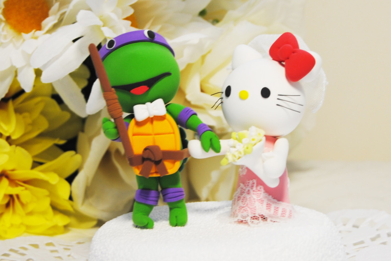Hello Kitty Ninja Turtle Cake Topper | OneWed.com