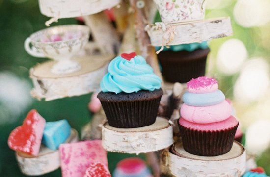 Alice in Wonderland Inspired Cupcake Tree