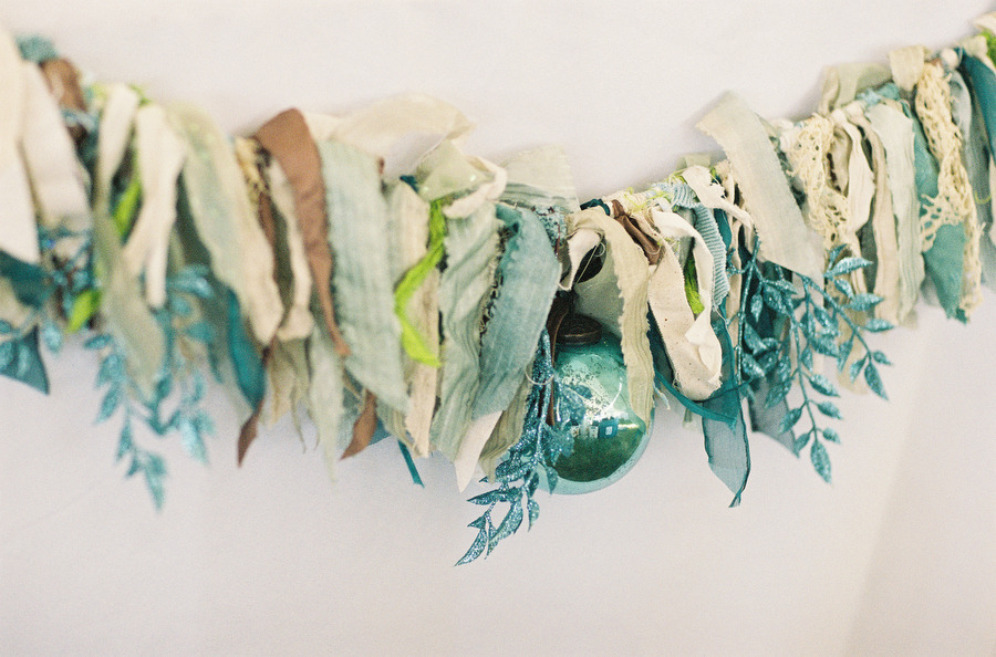 Unique-wedding-garland-lace-and-turquoise-sparkle.full