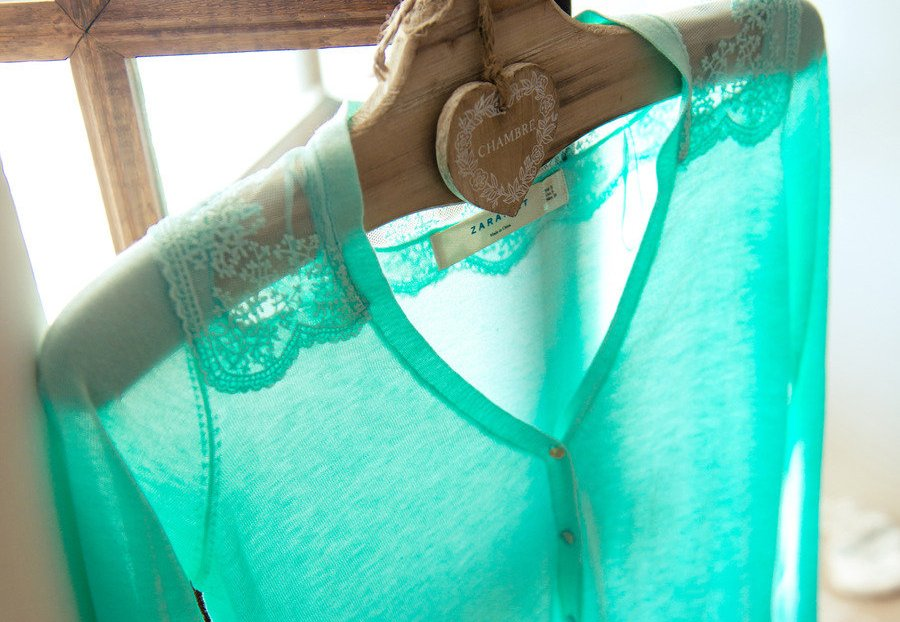 Turquoise-sweater-to-wear-over-wedding-dress.full