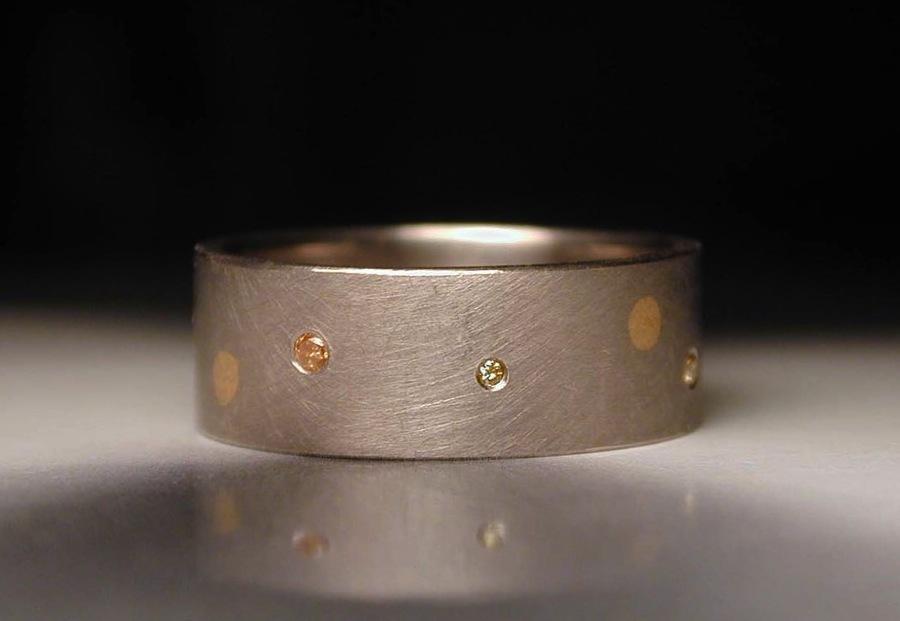 Palladium-and-white-gold-mens-wedding-ring.full