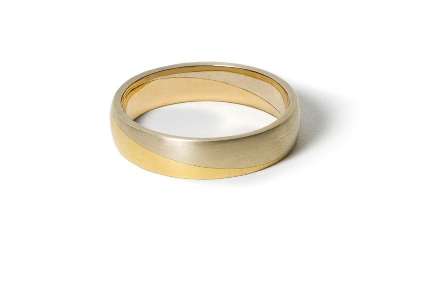 White-and-yellow-gold-mixed-metal-wedding-band.full