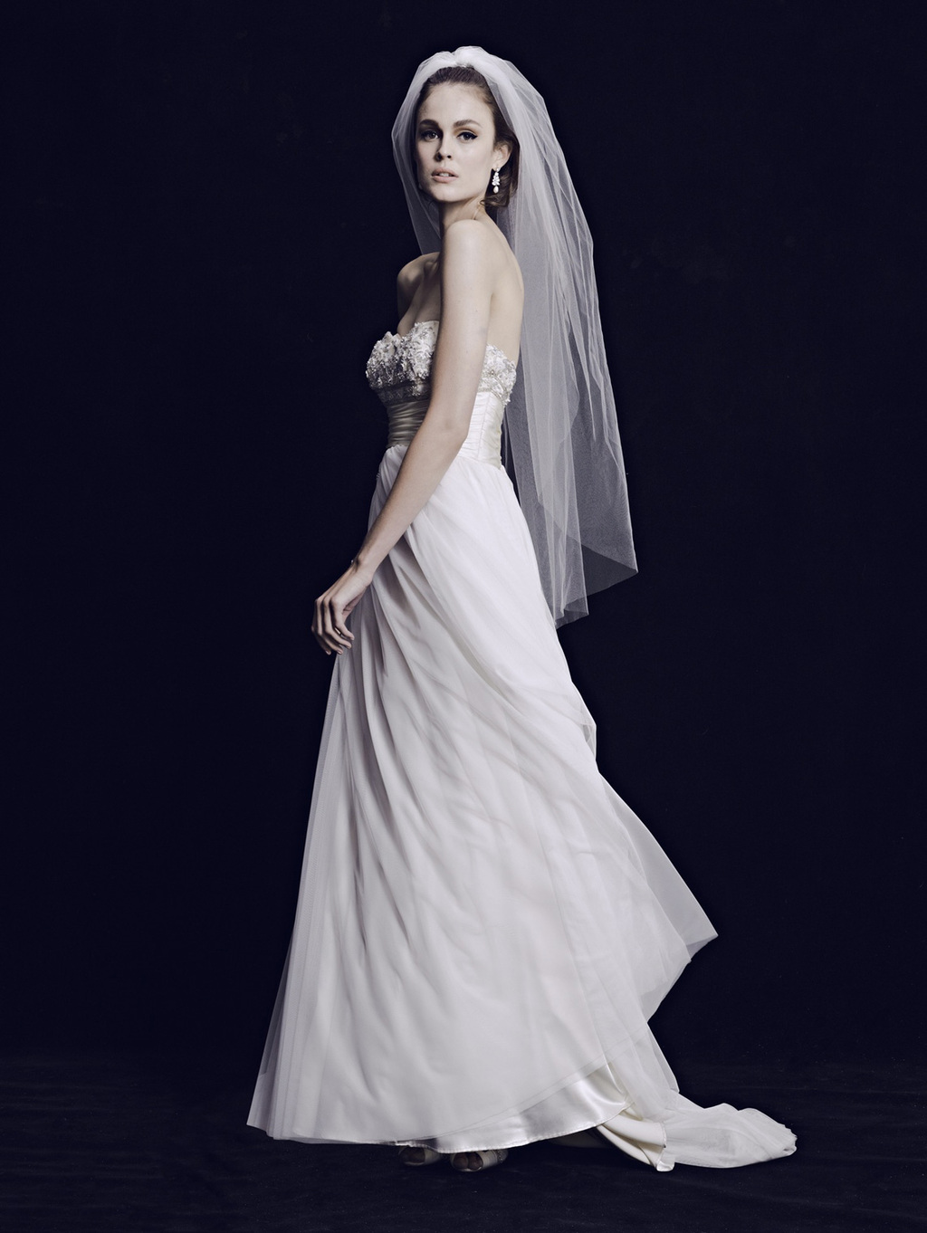 Mariana-hardwick-wedding-dress-2013-bridal-classic-7.full