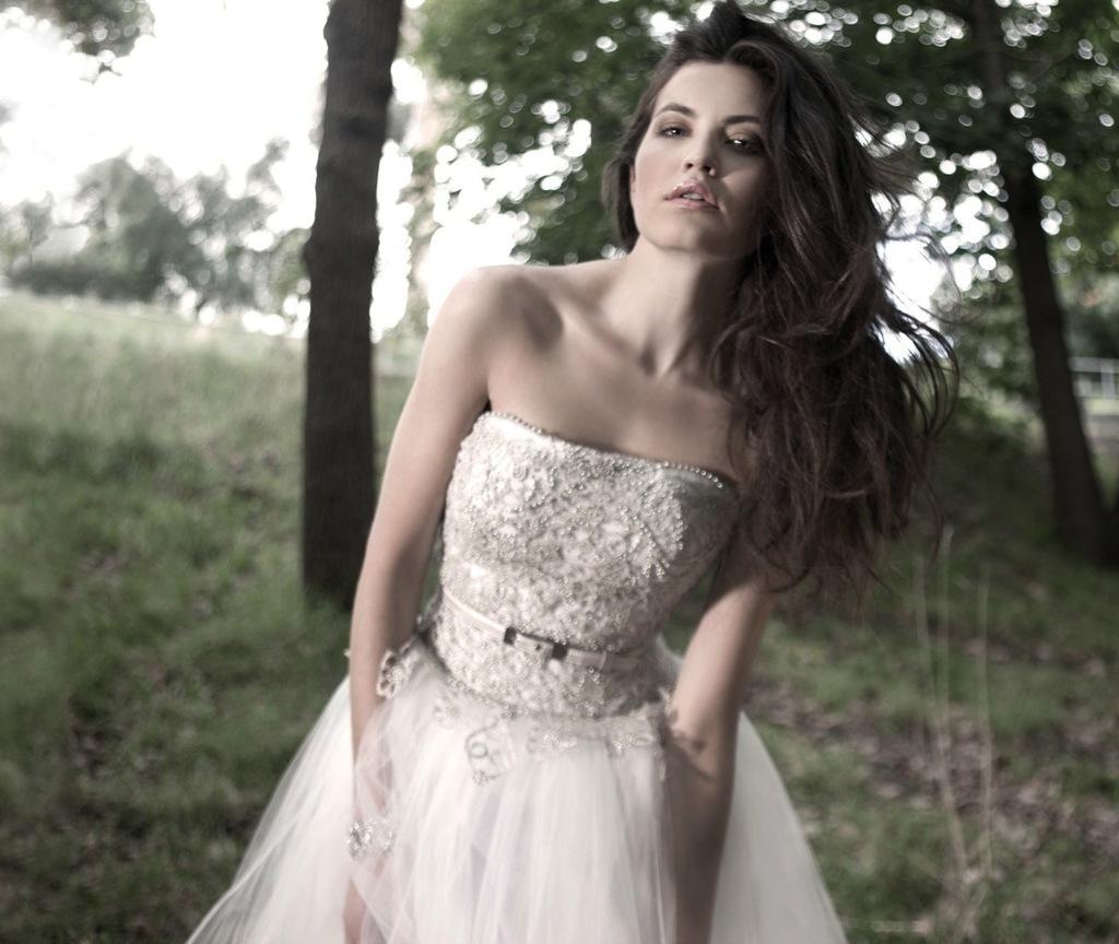 Mariana-hardwick-wedding-dress-2013-bridal-ambellina-3.full
