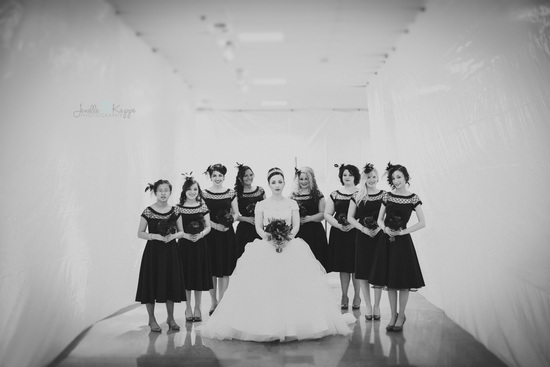 bridemaids-photo-single-wedding-photographer-windy-city-chicago-FB