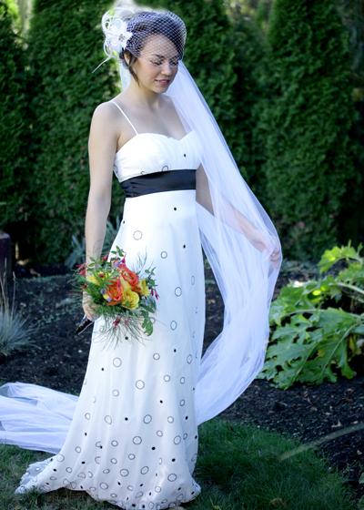 Wedding_accessory_ideas_vrai_birdcage_veil.full