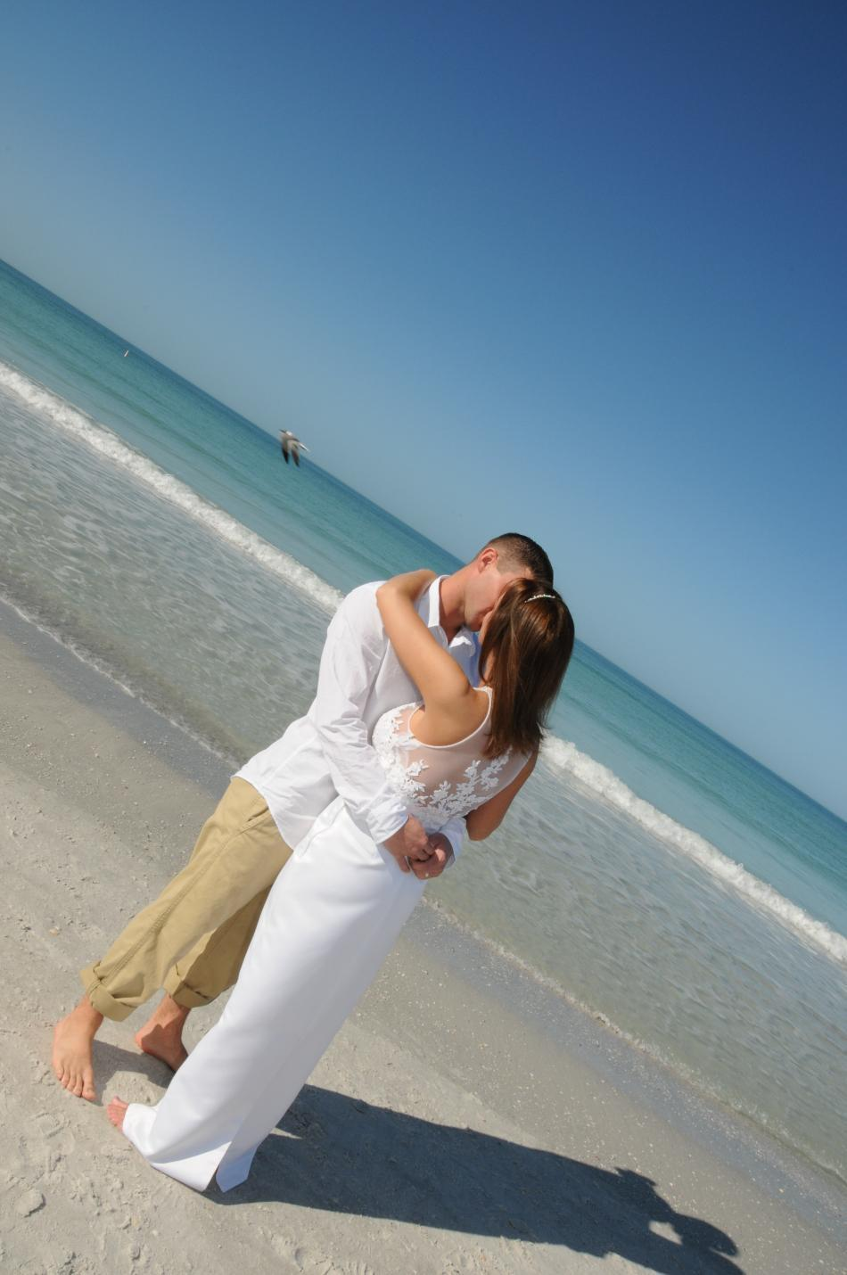 Wedding_ideas_florida_beach_wedding_bride_groom.full