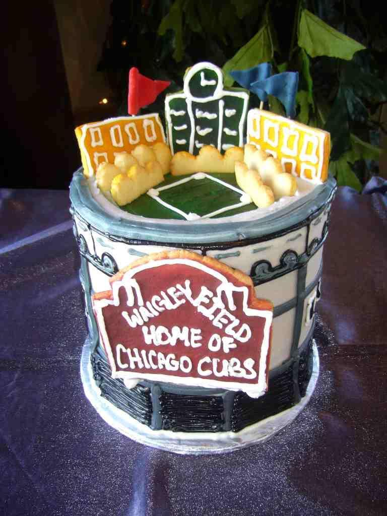 Wedding-themes-n-ideas-sports-wrigley-field-wedding-cake.full