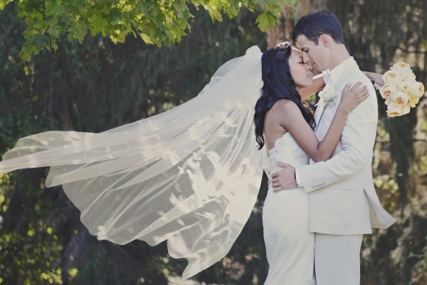 Bride-with-long-veil-600x400.full