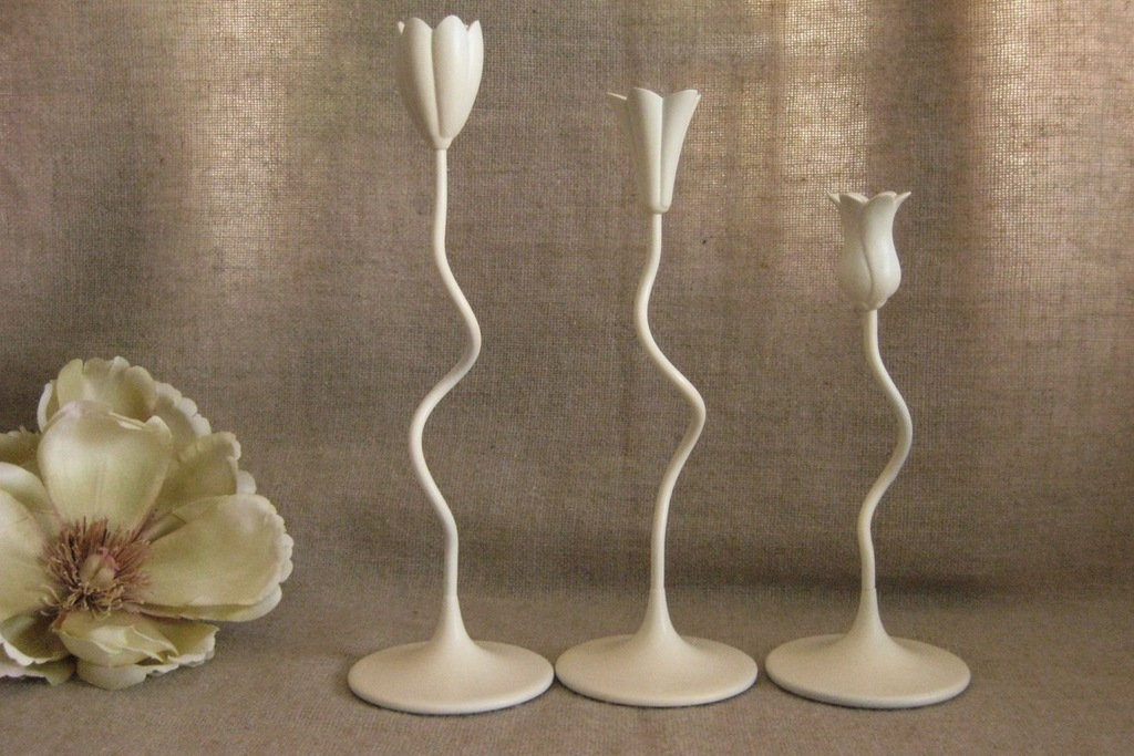 Unique-tulip-candle-holders-for-wedding-receptiob.full