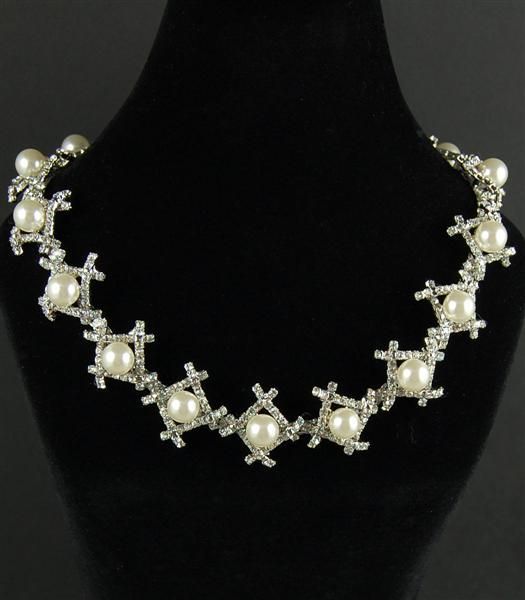 Wedding_ideas_bridal_jewelry_pearl_necklace.full