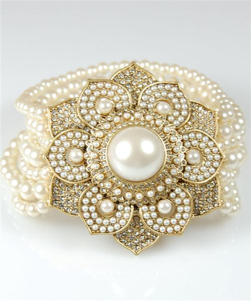 Wedding_ideas_bridal_jewelry_flower_bracelet.full