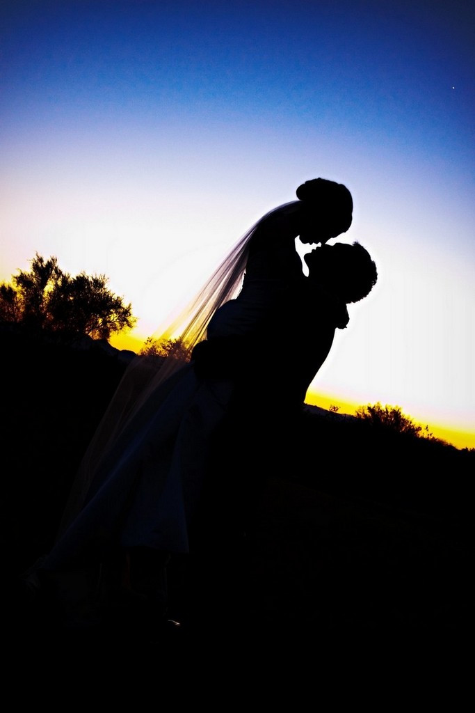 Featured_wedding_ideas_bride_groom_sunset.full