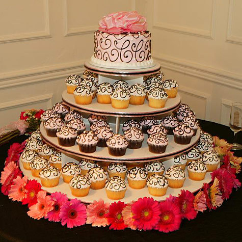 photo of A Sweet DIY Wedding Idea: Cupcake Stands