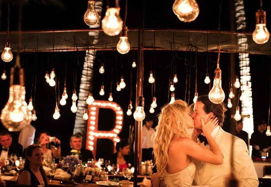 Unique-lighting-at-wedding-reception.full