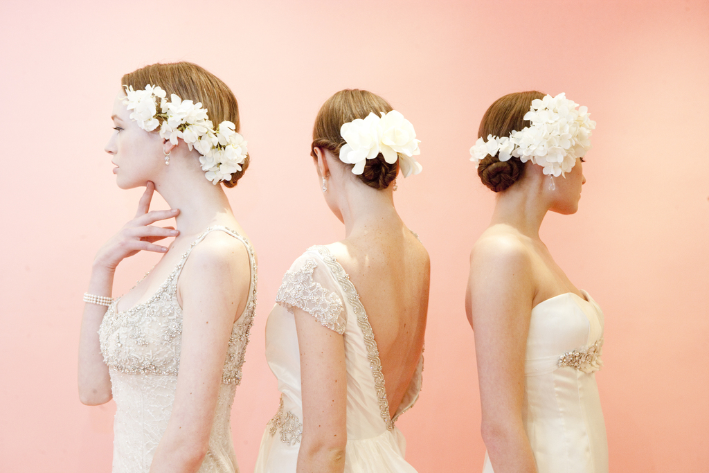 Bridal-beauty-inspiration-hair-makeup-from-moroccanoil-and-badgley-mischka-1.full