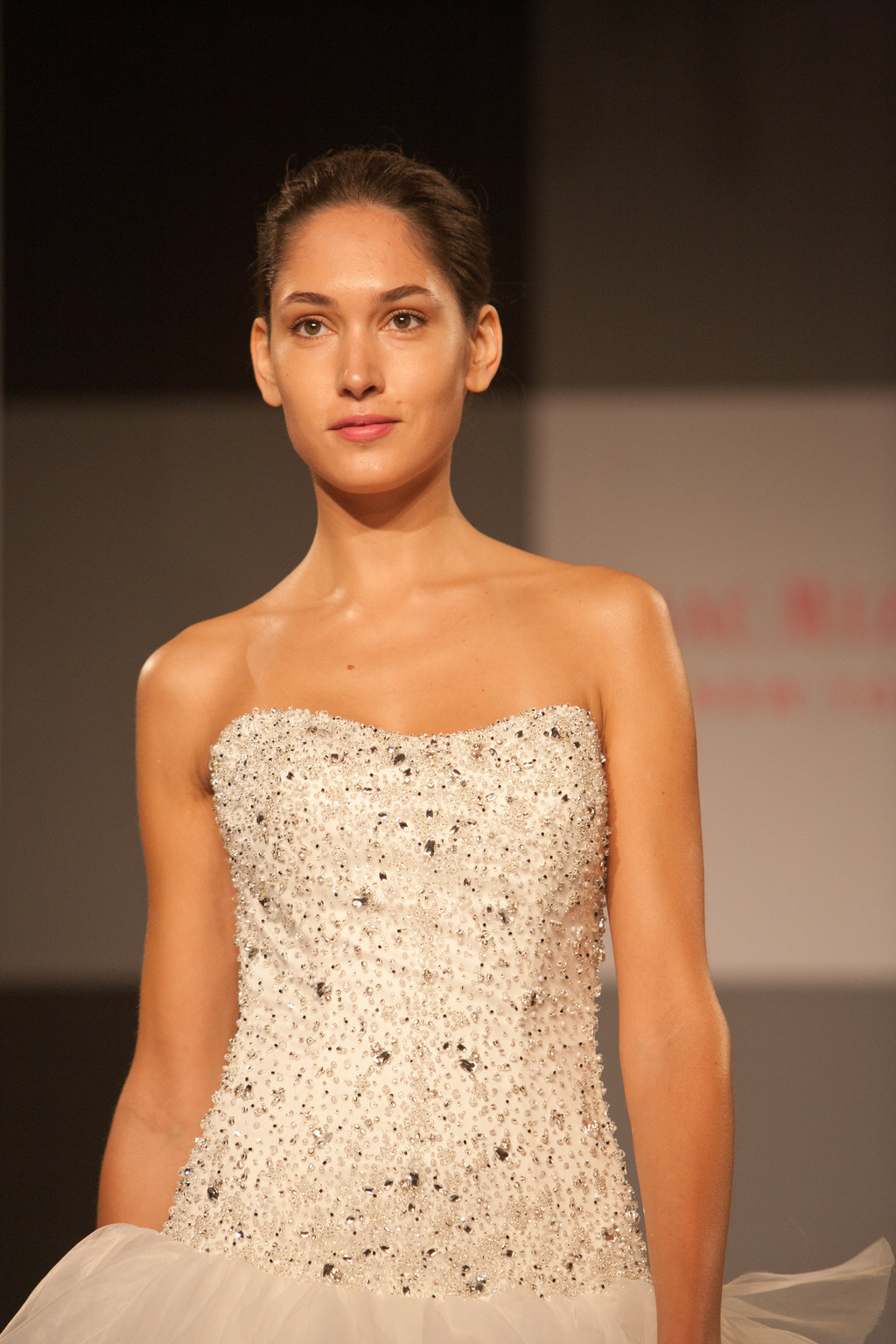 Bridal-beauty-inspiration-hair-makeup-from-moroccanoil-and-isaac-mizrahi2.full