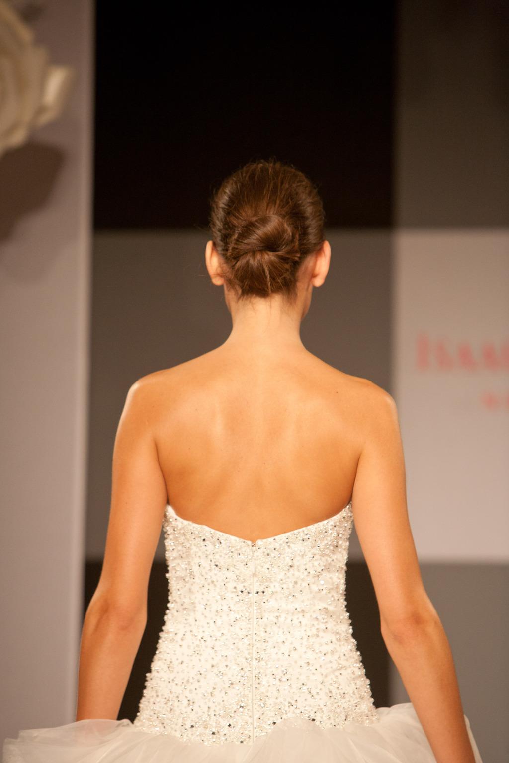 Moroccanoil_isaac_mizrahi_for_kleinfeld_bridal_fall_2012-18.full