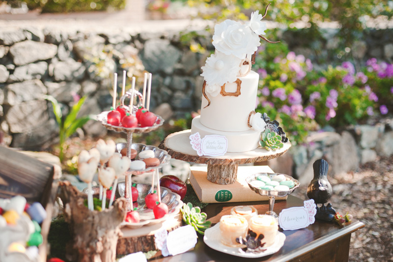 Candy-apple-wedding-cake-pops.full