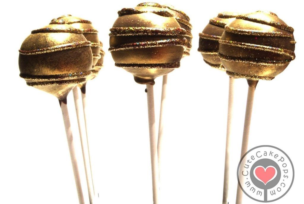 Sparkly-gold-wedding-cake-pops.full